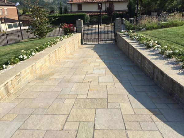 Pavimento in marmo reggio emilia pavimentazione esterna - Pavimentazione cortile esterno ...
