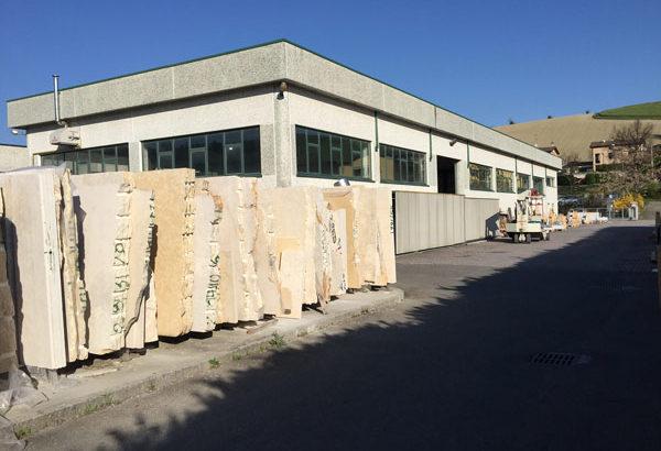 Lavorazione-arte-funeraria-Reggio-Emilia